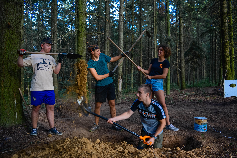 Megtudhatod, mit jelent a csapatmunka, és hogy hogyan tudunk a különbözőségeink ellenére eredményesen együtt dolgozni.